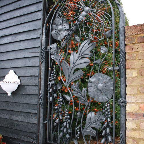 Side Artistic Gates Country Life Gate