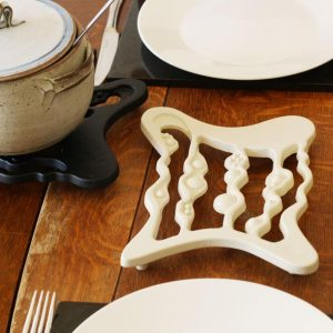 BexSimon Cast Iron Trivet Cream